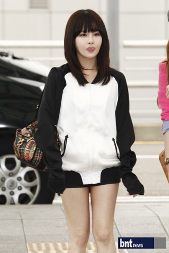 [TIARADIADEM.COM] T Ara At Incheon International Airport Departure For Europe (04.10)094