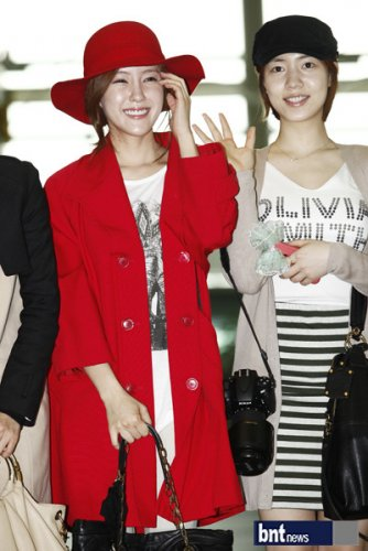 [TIARADIADEM.COM] T Ara At Incheon International Airport Departure For Europe (04.10)086