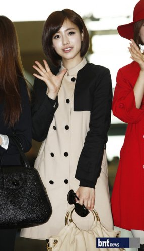 [TIARADIADEM.COM] T Ara At Incheon International Airport Departure For Europe (04.10)098