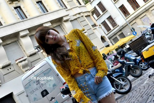 [TIARADIADEM.COM] T Ara  On street In Milan, Italy By Ryukiri (27)