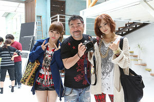 Soyeon and Eunjung with Shin Yamagishi (06/08)