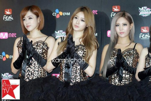 MNET Thailand Press Conference (10/05) -- 022