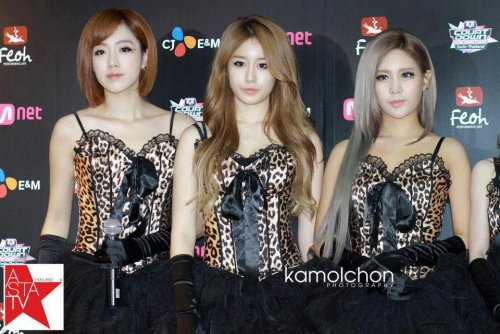 MNET Thailand Press Conference (10/05) -- 019