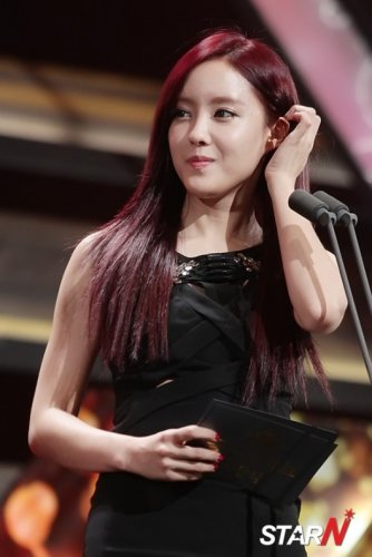 Hyomin @ Pro Baseball Golden Glove Awards (12/2012)