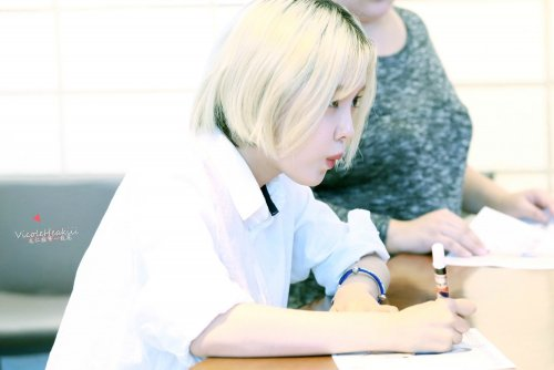 'Make Up' fansign event at Tom n Toms Coffee (08/2014)
