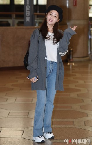 Incheon Airport to Japan - Hyomin (04/2019)