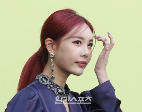 Seoul Fashion Week CAHIERS - Qri (10/2019)
