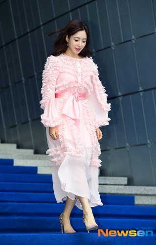 Seoul Fashion Week ROMANCHIC - Eunjung (10/2019)