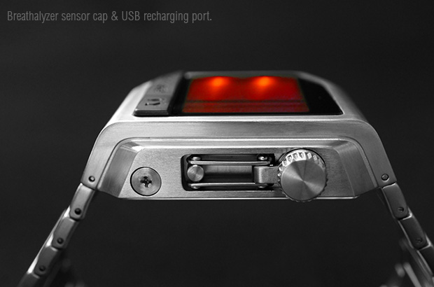 Breathalyser watch usb recharge