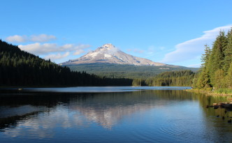 View of the Mount hood from Trillium Lake