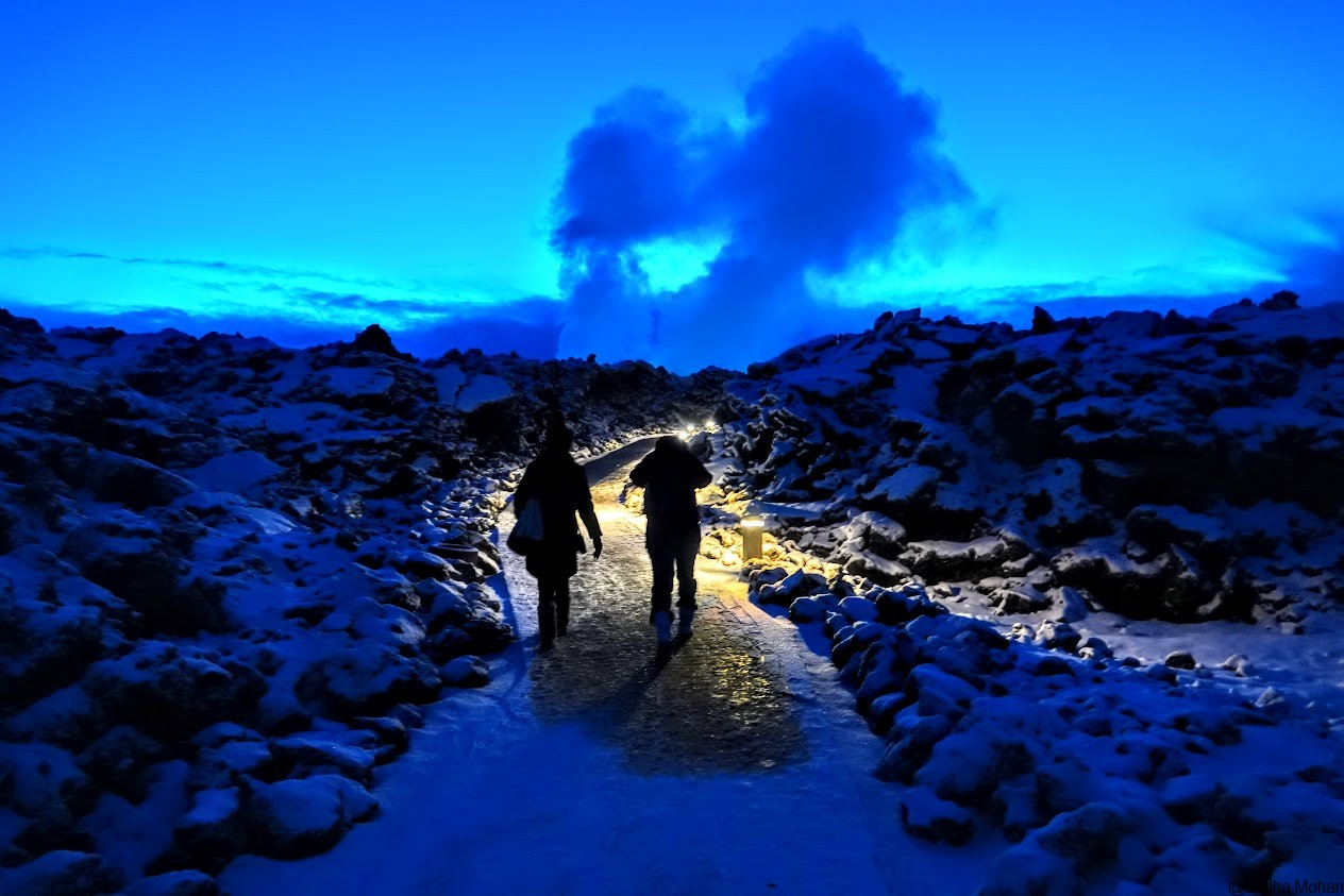 Pathway to enter Blue Lagoon - Can you believe its 8.30 AM?.