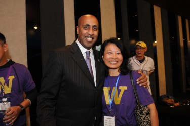 Coach Romar with Su Cheng Harris-Simpson, one of the organizers of the event