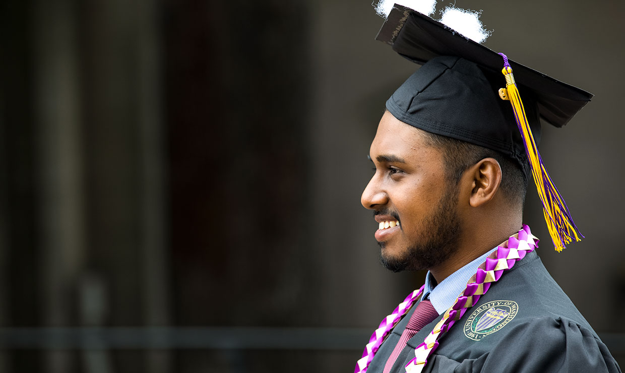 Largest-ever class graduates from UW