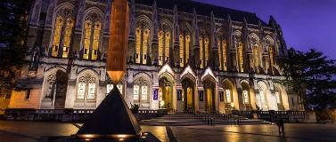 苏泽洛图书馆从红场晚上