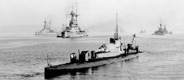 Giant Submarines With Huge Guns