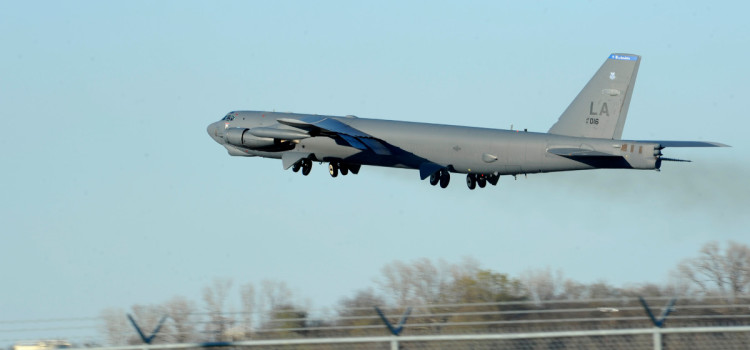 B-52s Are On Their Way to Blast ISIS