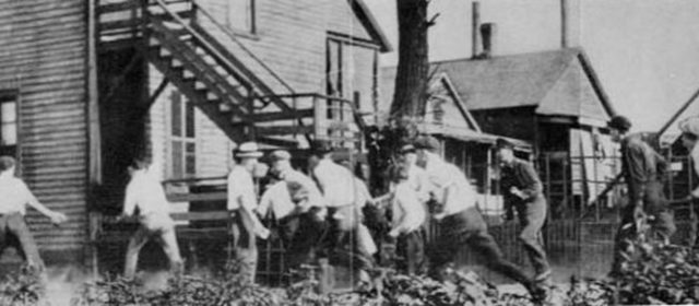 In 1917, the Illinois National Guard Joined a White Mob Hunting Blacks