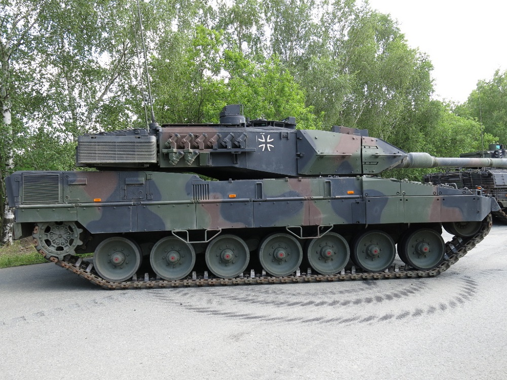 germany s leopard 2 tank was considered one of the best. Black Bedroom Furniture Sets. Home Design Ideas