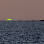 Inferior-mirage green flash looking west from Madagascar Credit: Vic and Jen Winter, 2001