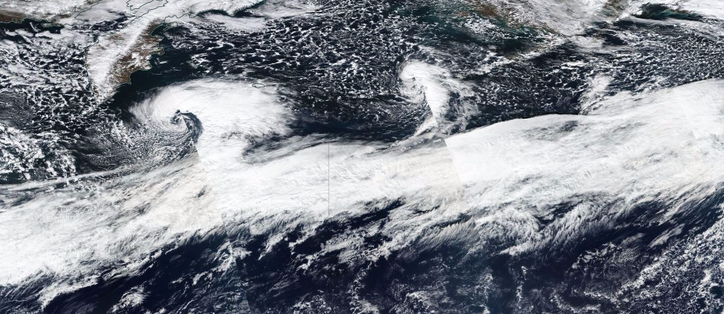Yesterday's image of the powerful jet stream from the polar-orbiting SUOMI NPP satellite.