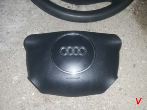 Audi A3 Подушка руля HG16588167