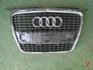 Audi A3 Решетка радиатора HG20305096