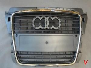 Решетка радиатора Audi A3 HG79212399