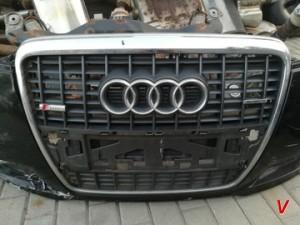 Решетка радиатора Audi A6 HG72303973