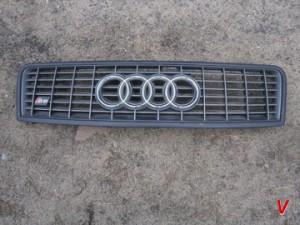 Решетка радиатора Audi A6 HG81760110