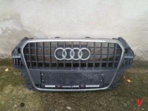 Решетка радиатора Audi Q3 HG79414024