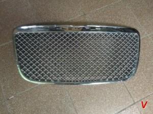 Решетка радиатора Chrysler 300C HG68726621