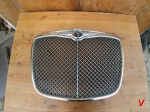 Решетка радиатора Chrysler 300C HG71965921