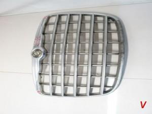 Решетка радиатора Chrysler 300C HG75096823