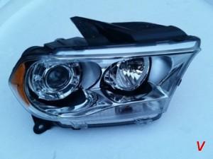 Dodge Durango Фара правая HG79498998
