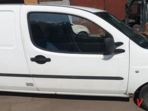 Fiat Doblo Двери передние HG15550882