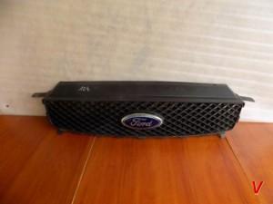 Решетка радиатора Ford C-MAX HG72660104