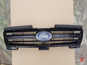 Решетка радиатора Ford S-Max HG27098757