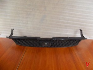 Решетка радиатора Ford S-Max HG31219403