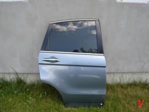 Honda CR-V Двери задние HG76951493