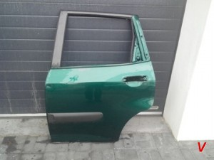 Honda Jazz Двери задние HG72313604