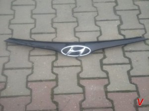Решетка радиатора Hyundai i20 HG75849965