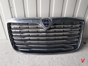Lancia Thema Решетка радиатора HF82092456