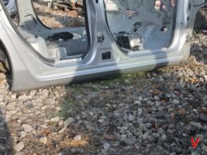 Mazda 3 Порог HG65523616