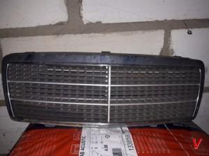 Mercedes C Решетка радиатора HG70008075