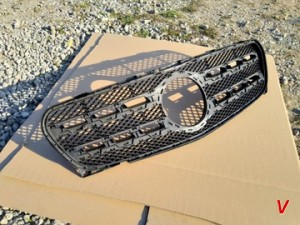 Mercedes GLA Решетка радиатора HG22892668