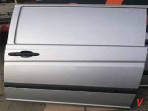 Mercedes Viano Двери задние HG63485884