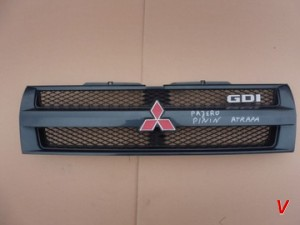 Решетка радиатора Mitsubishi Pajero Pinin HG28009924