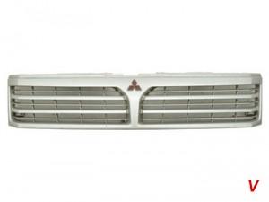 Mitsubishi Space Wagon Решетка радиатора HA92487715