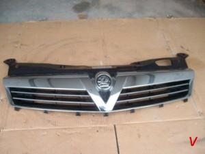 Opel Astra III Решетка радиатора HG80231043