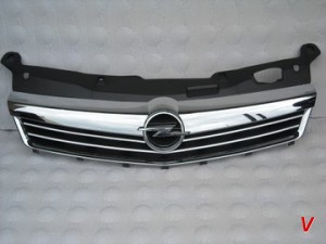 Opel Astra III Решетка радиатора HG82381917